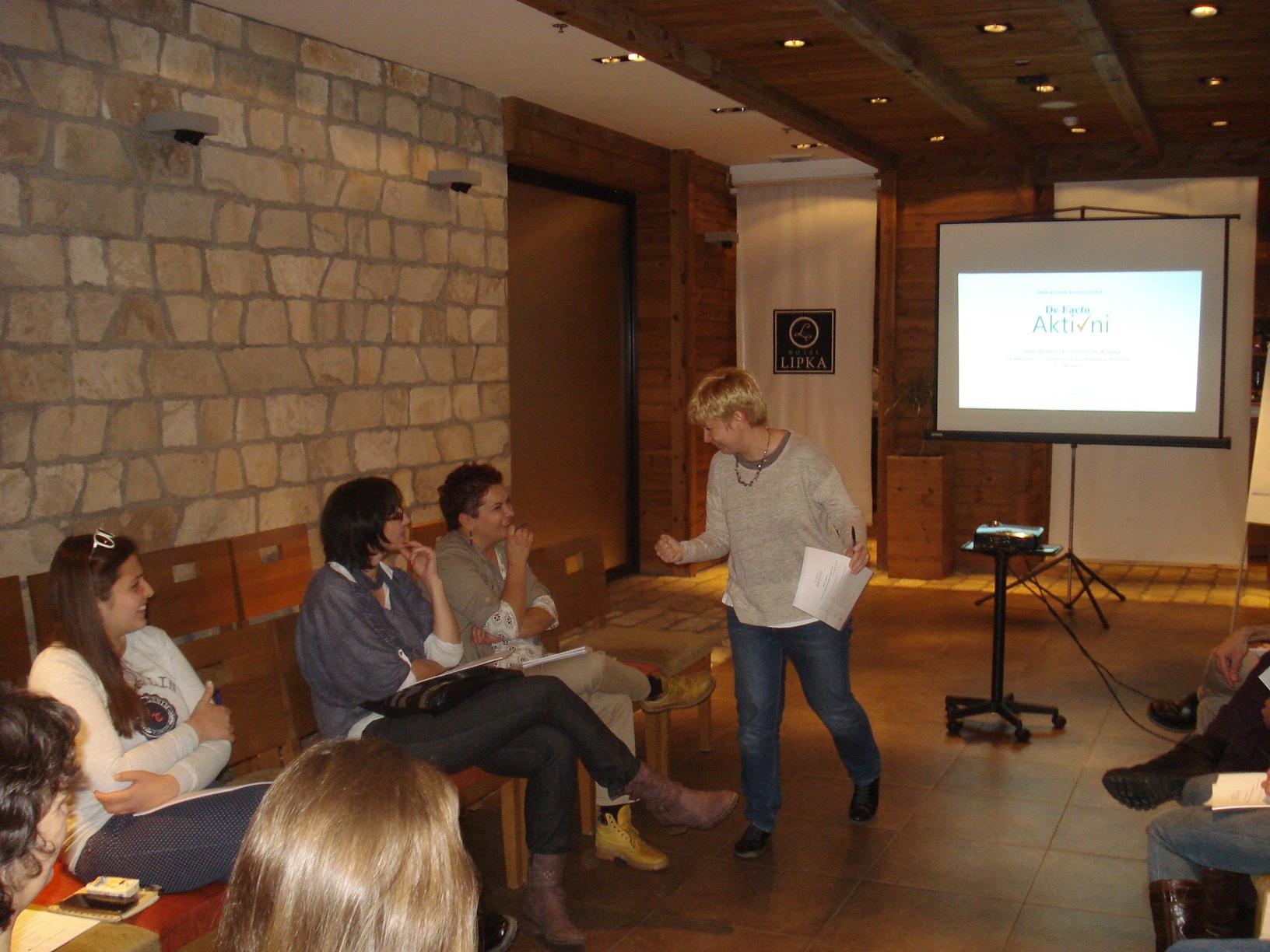 De facto Aktivni: Održan prvi modul obuke o prikupljanju sredstava